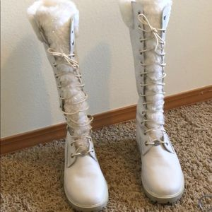 Vintage Timberland tall women's boot size 8 white